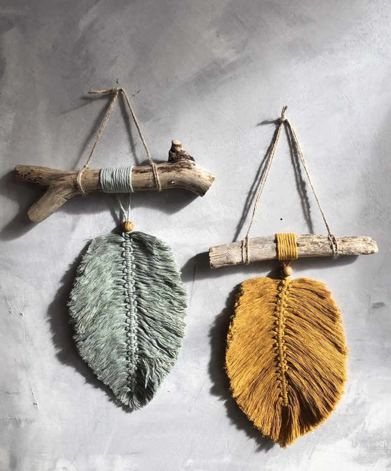 Suspensions plumes macramés moutarde et vert d'eau