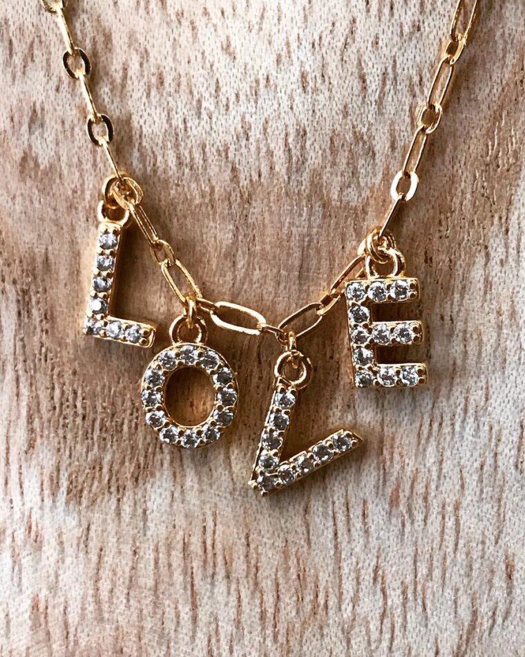 collier love amulette
