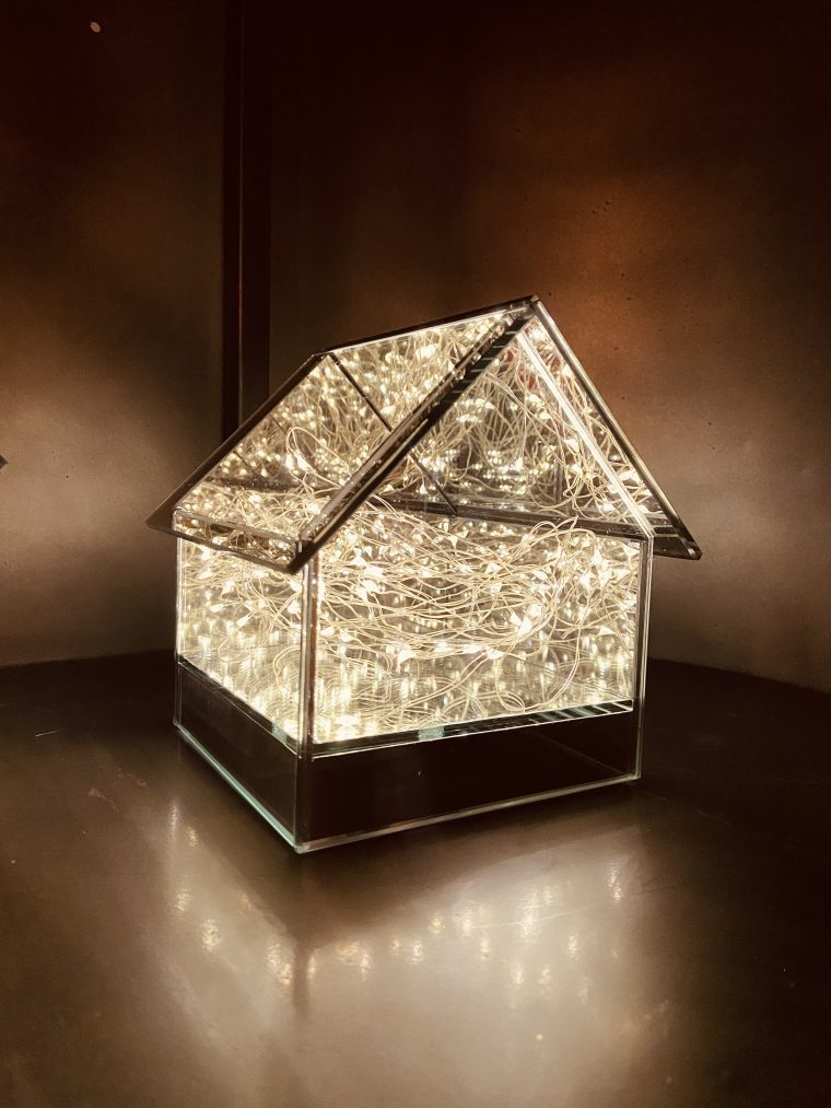 Boite lumineuse forme maison