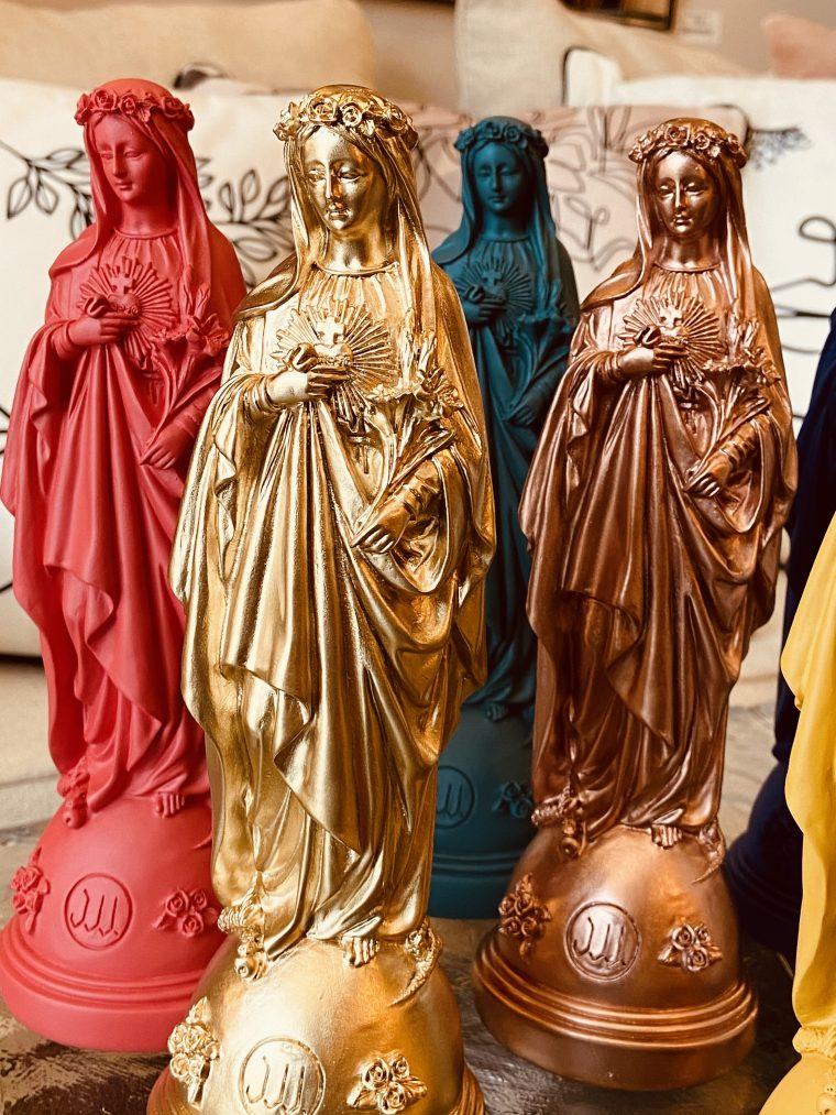 Statuette Marie aux fleurs