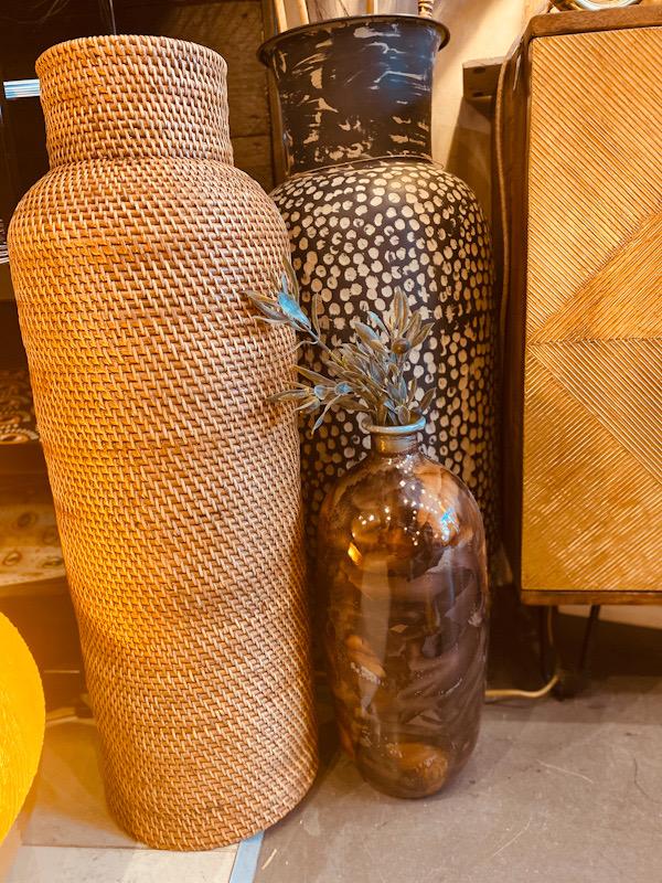 Vase tube en rotin