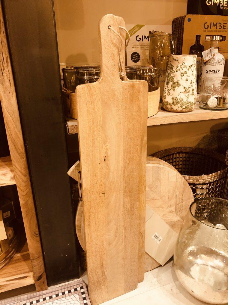 Planche à découper M en bois de manguier 90 x 18 cm