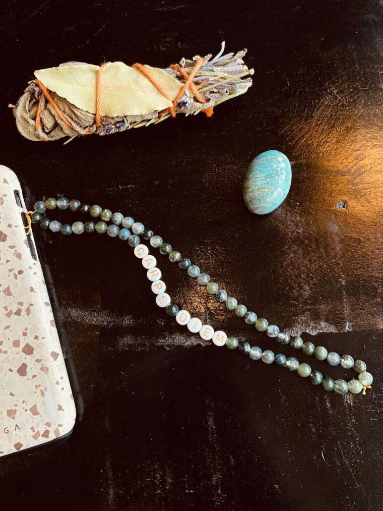 bijoux de téléphone mantra and the moon